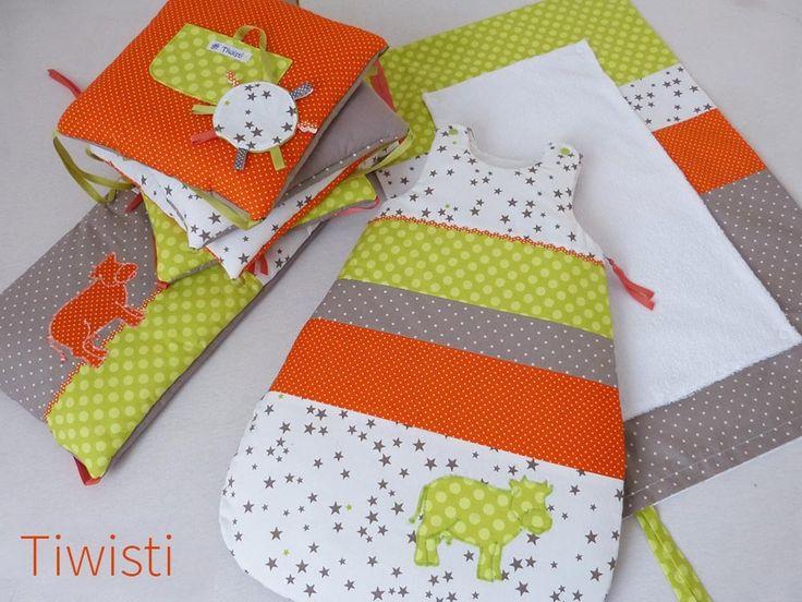 Ensemble  mixte tour de lit coussin, gigoteuse 0-6 mois et housse matelas à langer,vert, taupe, orange , vache