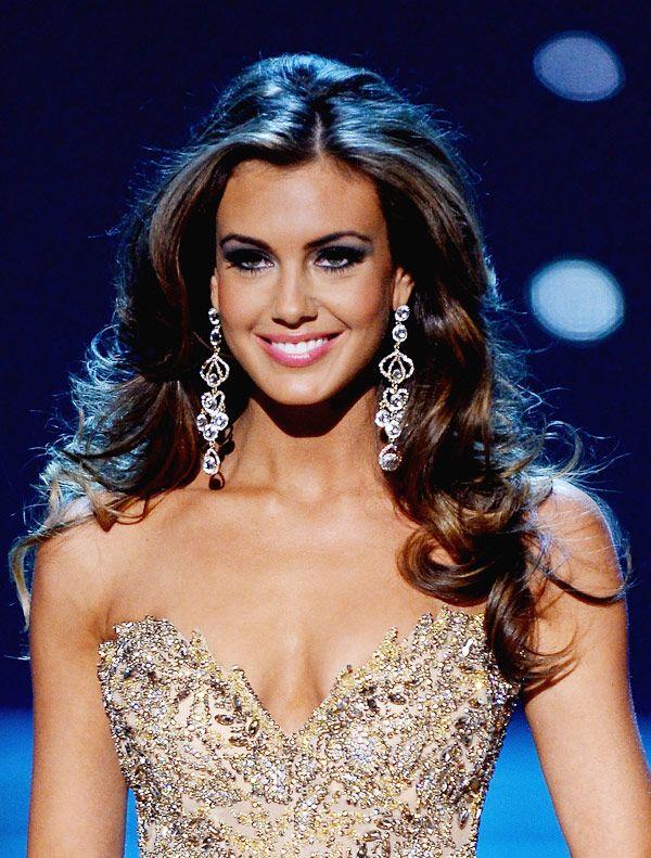 La mujer es una reina de el concurso de bellza en America