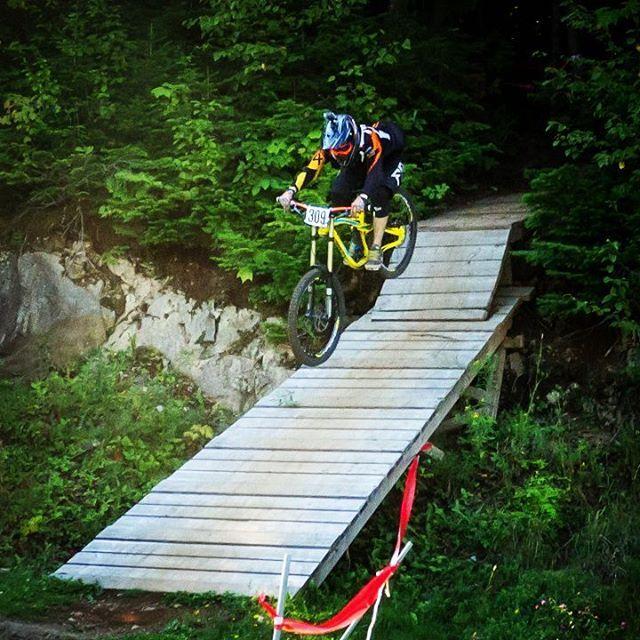 In mid-flight at Sugarloaf Bike Park!  Photo by www.johnleblancphotography.com  #downhillmountainbiking #downhillmtb #adventure #outdoorsports #adrenaline #gridlesslife #gridlessadventure #explorecanada #explorenb #actionsports #begridless