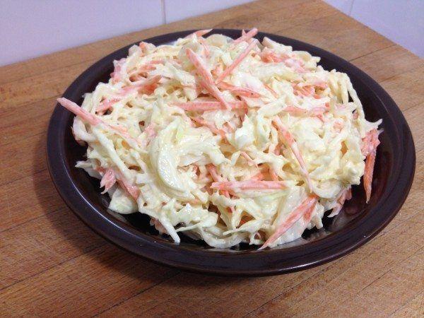 Ensalada coleslaw o ensalada americana