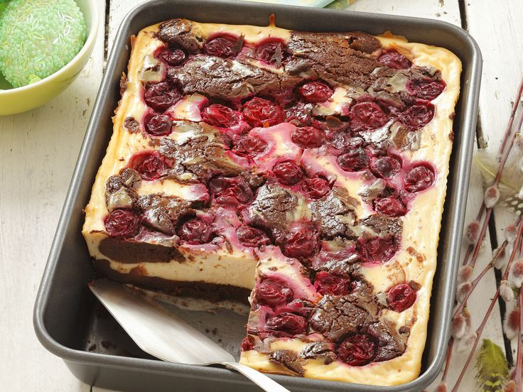 Eine Versuchung aus dem Ofen: Käsekuchen mit Kirschen - smarter - Kalorien: 289 Kcal - Zeit: 45 Min. | eatsmarter.de