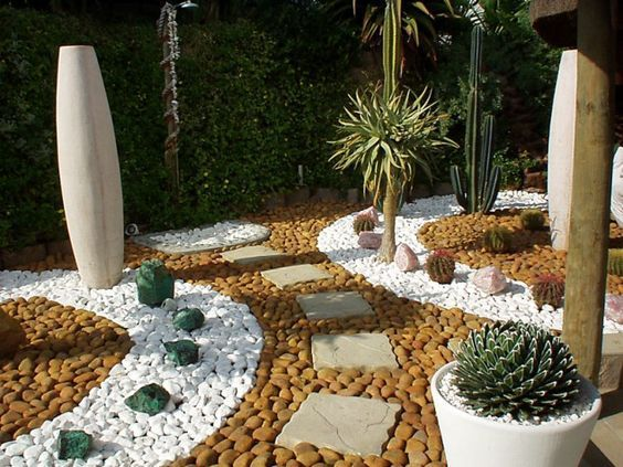 41 best uredjenje dvorista images on pinterest plants garden decorations and gardening - Pebble garden decoration ideas ...