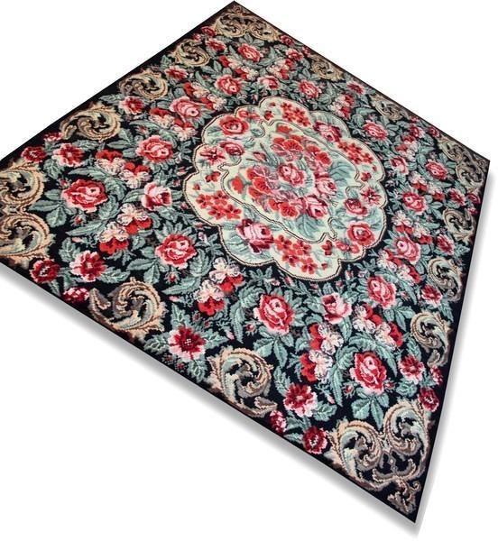 Handgeweven Rozenkelim vloerkleed / tapijt ( 100% wol ! ): http://link.marktplaats.nl/873429244