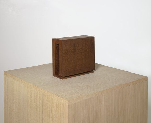 """Simon Ungers, """"Speaking Architecture [Library model]"""" (2000) 