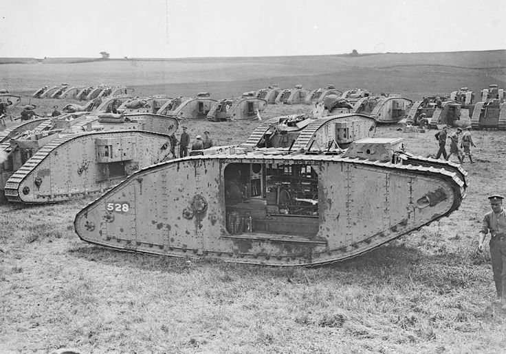 MINISTRY INFORMATION FIRST WORLD WAR OFFICIAL COLLECTION (Q 3226)   Tank park at Rollencourt