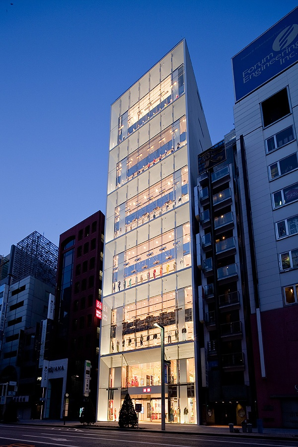 UNIQLO_in_Ginza_Tokyo_Wonderwall_Inc_afflante_com_12