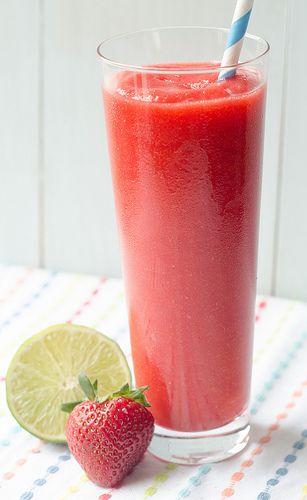 Fresh Strawberry Daiquiris {Pink Parsley}