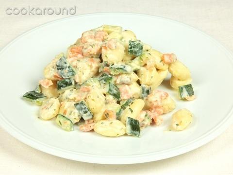 Gnocchi zucchine e salmone: Ricette di Cookaround | Cookaround
