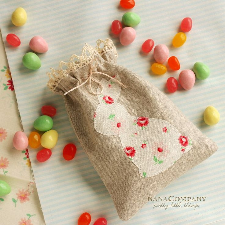 Linen bunny Easter bag. This is so cute! I need to make one of these bags. :) #LittleStyleEaster