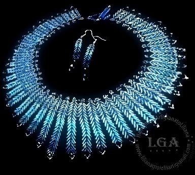 10 shades of blue Miyuki beads and Swarovski crystals to make this wonderful necklace with the St. Petersburg method
