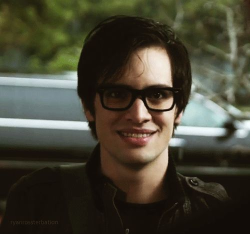 Brendon Urie Gif... its so adorable :3