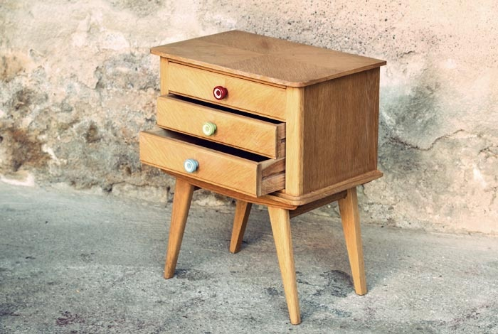 les 110 meilleures images propos de chevet chin relook sur pinterest relooking de table de. Black Bedroom Furniture Sets. Home Design Ideas
