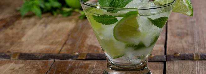 Przepisy na pyszne drinki  - letnie koktajle na bazie likierów