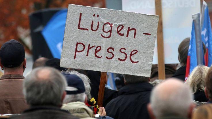 "Neue Nachricht: Menschen bei Maischberger: ""Lügenpresse""-Talk: Werden Fakten bewusst verdreht? - http://ift.tt/2gb34pV #story"