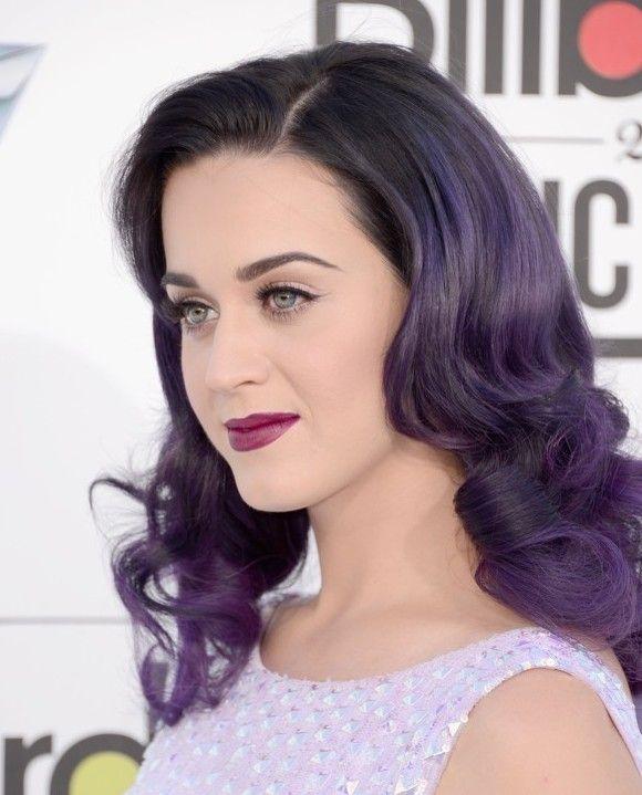 Una nueva tendencia se está abriendo paso en los labios: el lápiz labial púrpura