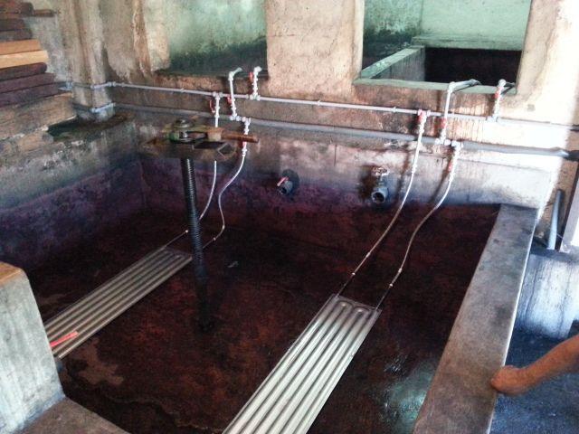 Sistema de refrigeración con placas instalado en lagar tradicional