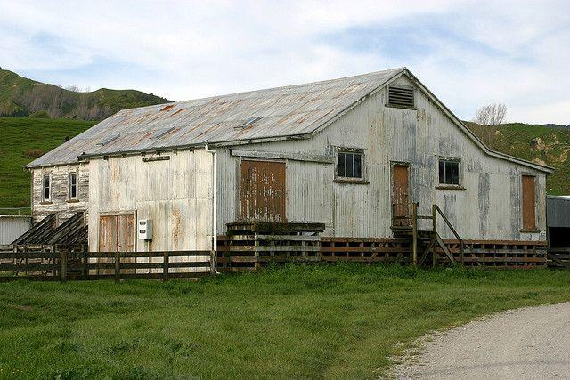 Maclaurins Woolshed, Hexton, Gisborne, New Zealand by nztony, via Flickr