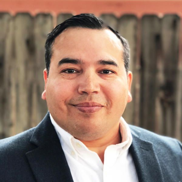 #Bakersfield artist to run against #House Majority Leader #McCarthy...