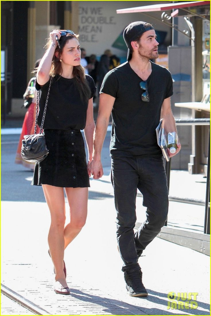 Paul Wesley & Phoebe Tonkin Hold Hands, Confirm They're Back Together!