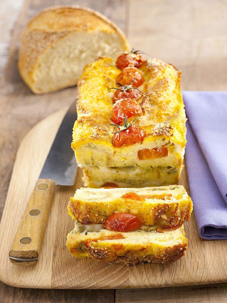 Cake di pane, pachino, mozzarella e pesto - Donna Moderna