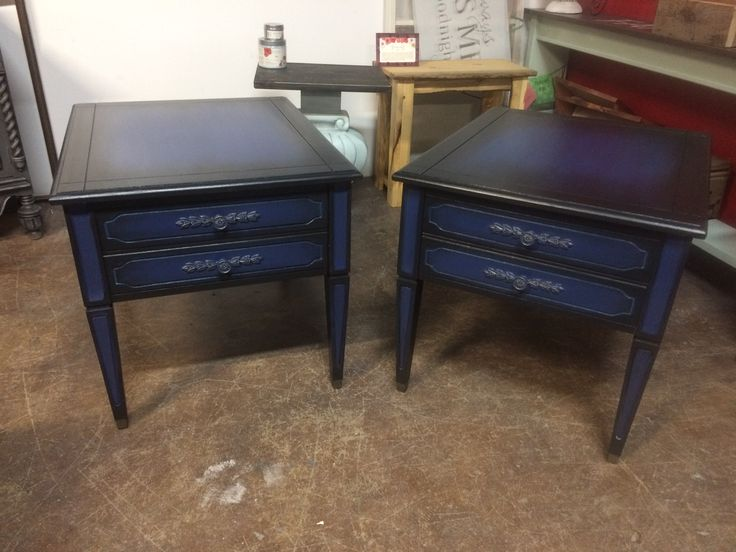 Set of wood end tables.  Painted with Country Chic Paint Midnight Sky and Liquorice. #tracystreasures02 #countrychicpaint
