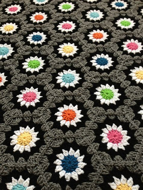 LOVE THE COLOURS!!! Ravelry: blackplanet's hexagons.grey