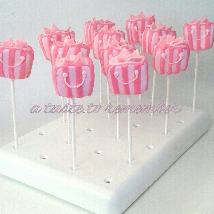 Best 25+ Victoria Secret Cake Ideas On Pinterest
