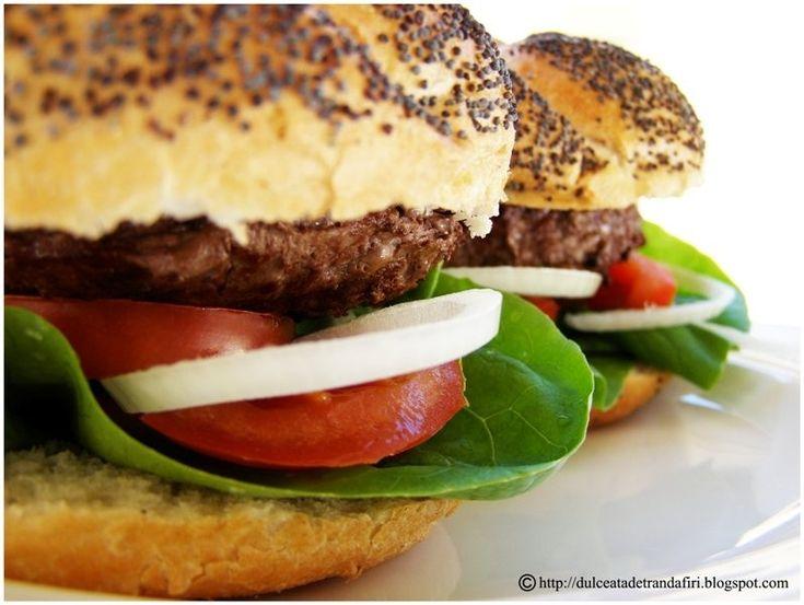 """Reteta Hamburgeri """"home-made"""" din categoria Aperitive cu carne"""