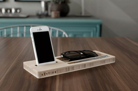 Classic Station: Desk Caddy for your Keys, Phone, and Wallet