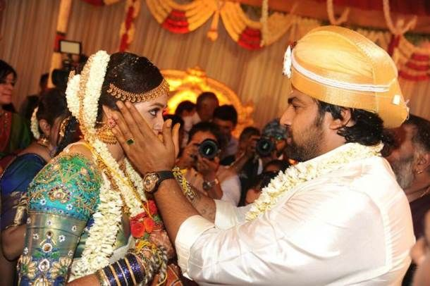 Meghana Raj And Chiranjeevi Sarja Look Picture Perfect In Their Hindu Wedding Hindu Wedding Hindu Wedding