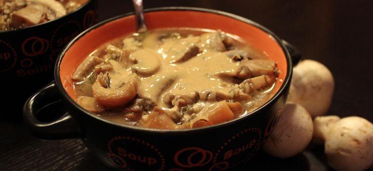 Σούπα μανιταριών με ταχίνι.