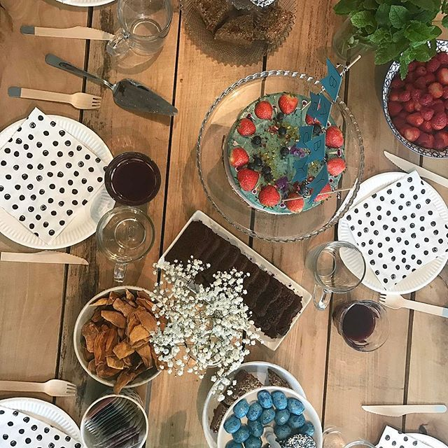 About last week 👶🏻💙 #babyshower #table #decoration #vegan #hightea #decoratedbyme #partyplannerinspe  #jekuntmeinhuren #voorfeestenenpartijen ✌️ #evedeso #eventdesignsource - posted by Merel Jegen https://www.instagram.com/mereljegen. See more Baby Shower Designs at http://Evedeso.com