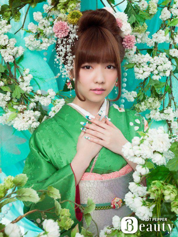 "AKB48's young rising star Haruka Shimazaki, aka ""Paruru"" looking lovely as a flower in kimono (DS 2014)"