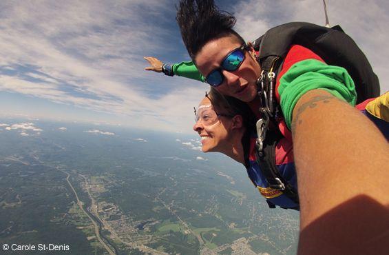 SORTIES | Des activités extraordinaires entre ciel et terre : envolée en montgolfières, parachutisme et manèges à la Ronde! http://zurbaines.com/fr/sorties/entre-ciel-et-terre/
