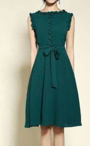 Love this dress... Sew it with 3/4 gathered sleeves