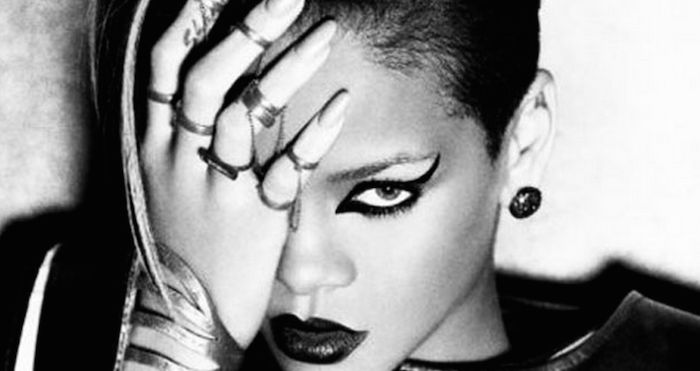 Top 10 illuminati signs and the celebs that use them ( Photos)
