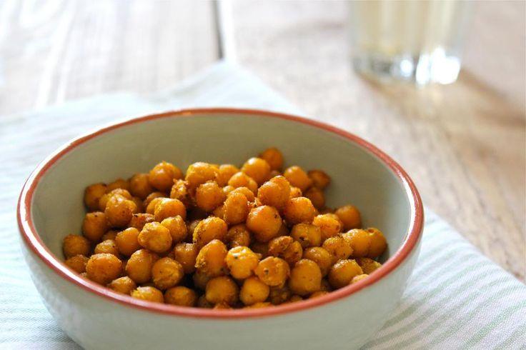 Gezonde snack: gekruide kikkererwten uit de oven - Lekker en Simpel