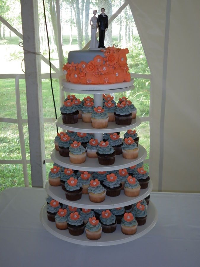 Wedding Cake And Cupcakes For Idea
