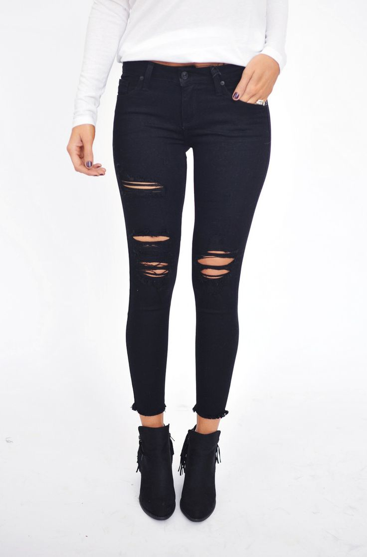 *DOTTIE COUTURE BOUTIQUE || Black frayed ankle skinny jeans | Tejanos tobilleros ajustados negros desgastados