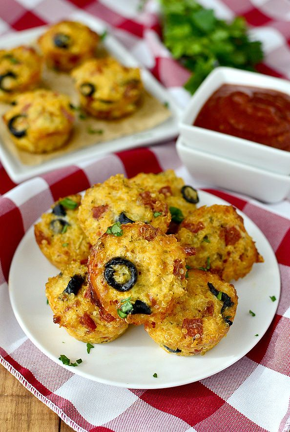 Mini Pizza Quinoa Bites #snack #appetizer | iowagirleats.com