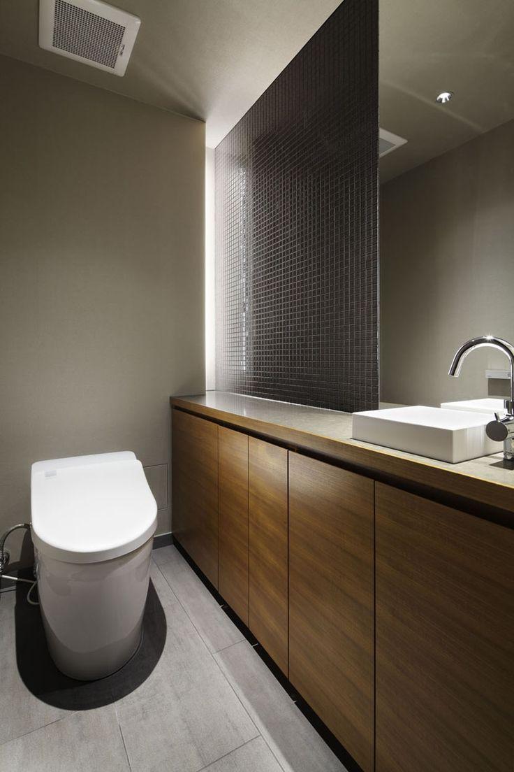 トイレ/バス事例:飾れるトイレ(碑文谷・時層の家)