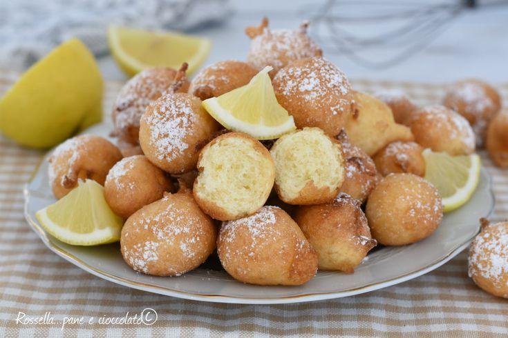 Le Frittelle al Limone sono dei dolcetti fritti molto veloci da fare perche' non hanno bisogno di lievitazione, soffici e profumati