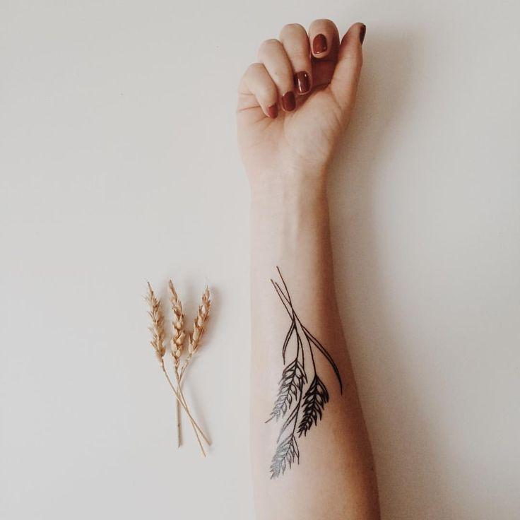 А вы что подарили себе на Новый год? мастер @a_vladyko 3/01/16 #wheat #tattoo…