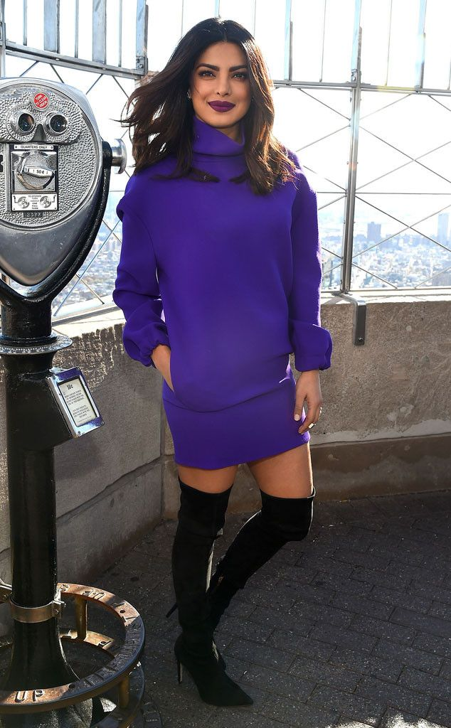 City heights! The actress looks beautiful atop the Empire State Building in NYC.