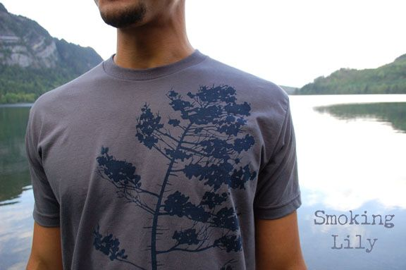 Grey men's t-shirt with Windy Spruce print.