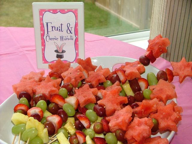 Fruit wands at a Magic Party #magic #partyfood | Girl birthday ideas ...