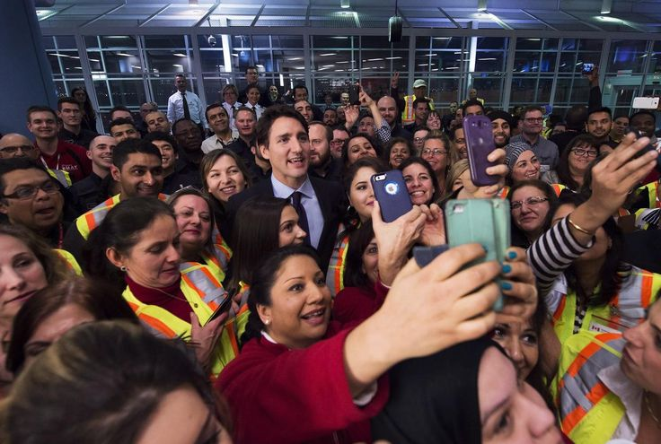 'You Are Home:' Justin Trudeau Welcomes Syrian Refugees to Canada | VICE News