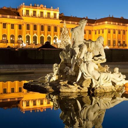 Viena es preciosa, monumental y romántica. Y en esto, también compite con París. ¿Cuál es vuestra favorita? #viajes #escapadas