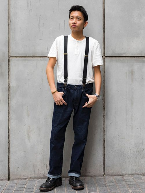【渋谷店スタッフ注目コーデ】 着心地の良いリネンコットンTシャツは胸元のボタンがポイント。リンスカラーのデニムで昔ながらのアメリカンカジュアルを感じさせるシンプルコーデ。小物でアクセントを。  リネンコットンヘンリーネックTシャツ (Color:ホワイト/¥3,900/ID:715705/着用サイズ:M) タンクトップ (Color:ライトグレー/¥2,900/ID:521668/着用サイズ:S) ストレートフィットデニ...