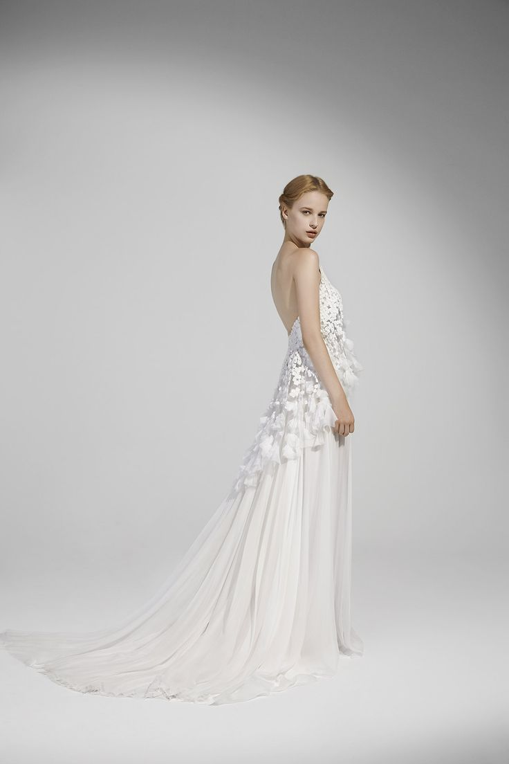 ANGELICA: Strapless gown in georgette with top embroidered with chiffon cubes and petals